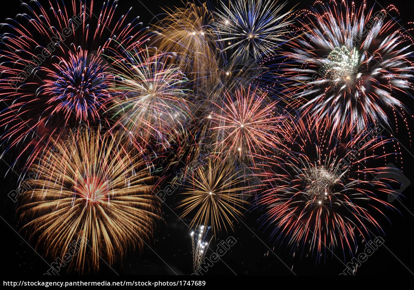 Feuerwerk Silvester - Stockfoto - #1747689 - Bildagentur ...