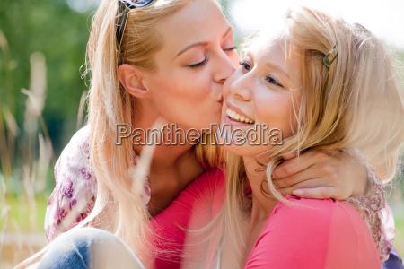 lifestyle kiss