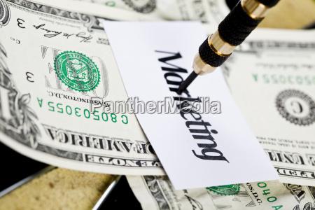 darts ziel und dollar in stierauge