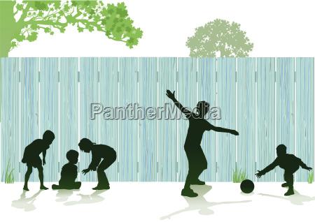 kinderspiel im garten