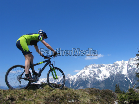mountainbiker in the alps