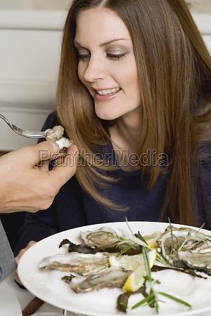 frau, restaurant, menschen, leute, personen, mensch - 11360977
