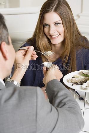frau, restaurant, menschen, leute, personen, mensch - 11360995