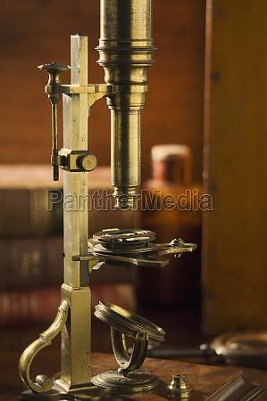 cuff style microscope circa 1750