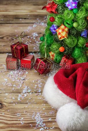 silvester zusammensetzung mit spielzeug und weihnachtsschmuck