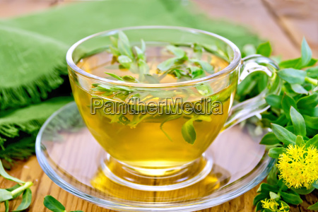 herbal tea with rhodiola rosea and