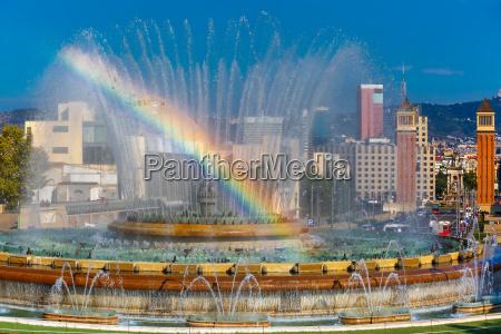 magic fountain of montjuic in barcelonau200bu200bspanien