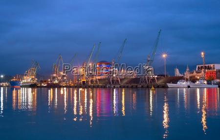 illumination of sea port