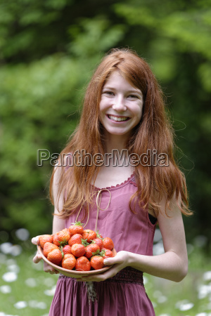 portrait of redheaded teenage girl with