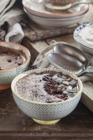 garnished vegan and sugarfree smoothie bowl