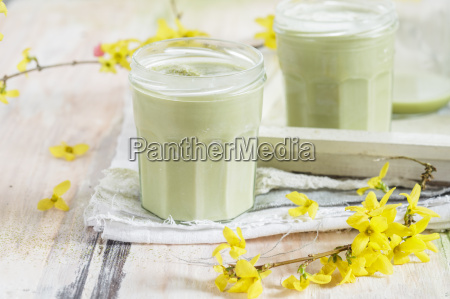 vegan matcha latte with coconut and