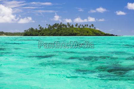 motu taakoka island in muri lagoon