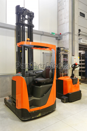 forklift and pallet truck