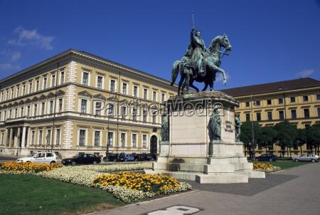 fahrt reisen farbe statue skulptur europid
