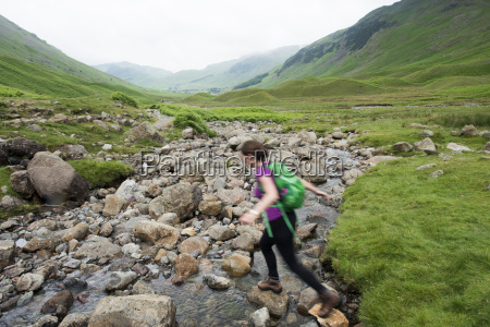 trekking along mickeldon valley in great