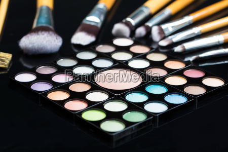 eye shadow palette with make up