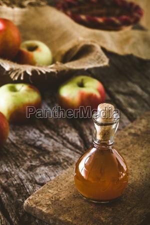 apple vinegar on wood