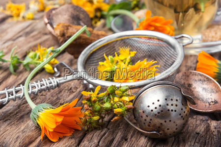 herbal tea with calendula